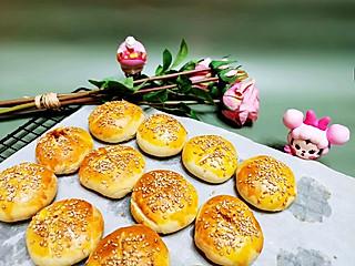 Elizabeth的私人定制的饭后小点心——肉松小酥饼,香酥软糯,吃一个幸福满满。