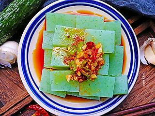 个性胜过姿色的黄瓜新吃法,筷子搅一搅,往锅里一倒,劲道爽口又开胃