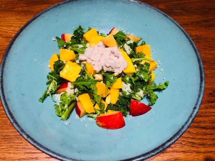 这顿轻食晚餐特意为减脂的你所做!羽衣甘蓝芒果中东米沙拉配酸奶坚果酱图2