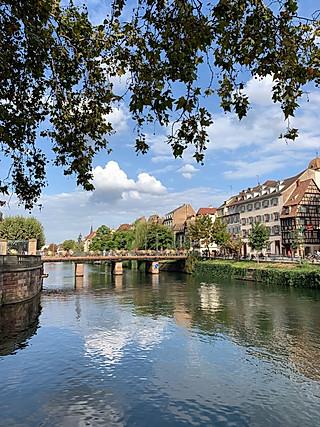 果洛多的参观游览这座古老的城——斯特拉斯堡