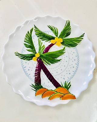 爱厨艺的小方的<topic id='272'>秀午餐</topic>大黄瓜椰子树:我喜爱美感、喜爱椰子树、喜爱它的大气、只要我认定、哪怕先不吃饭也🉐️先完成它哦😜😜