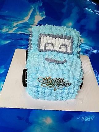 木紫冰的小外甥生日标配的小汽车蛋糕🍰