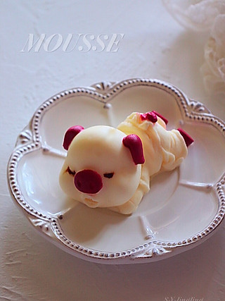 lingling玲食的酸奶慕斯小猪