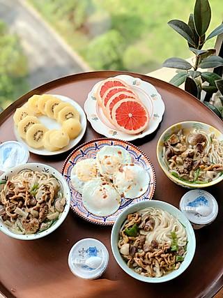 Alyssa_诚的8.5儿童营养早餐|鸡杂蘑菇面