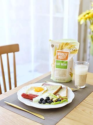 流浪的喵喵小姐的喵の早餐   世界早餐②美国 美式拼盘+燕麦麸皮水
