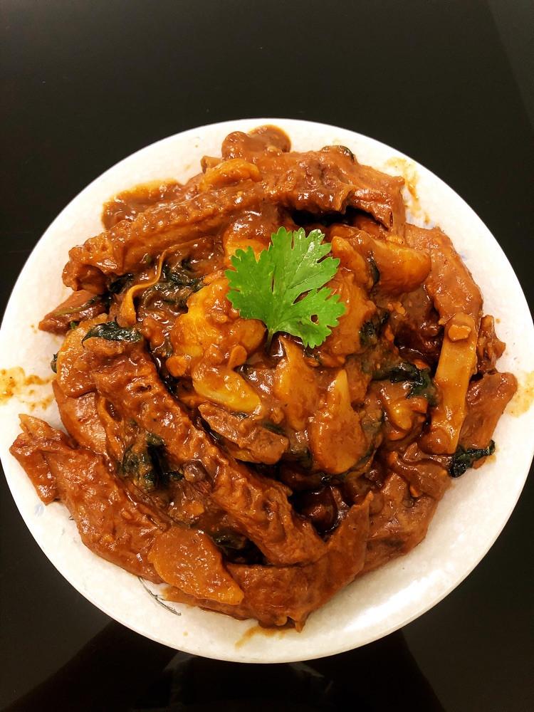 子姜紫苏土豆焖鸭翅~图1