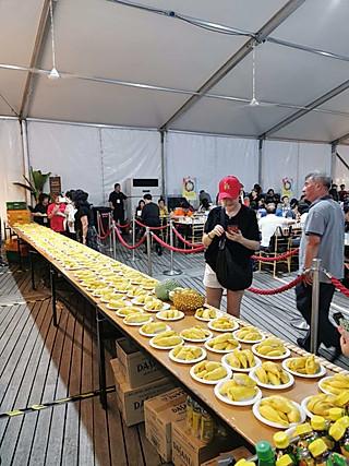 新加坡金沙酒店的榴莲party 免费吃到饱