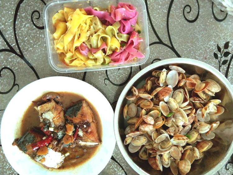 海鲜炖冬瓜、三色凉皮(买的)、焖鲅鱼、鲜蛤图1