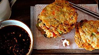 小衣服厨娘的教你制作街边流行的超丰富海鲜小吃-鲜香海鲜煎饼