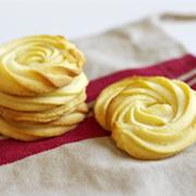 风靡全球的黄油曲奇在家就能做,香甜酥脆,太好吃啦!