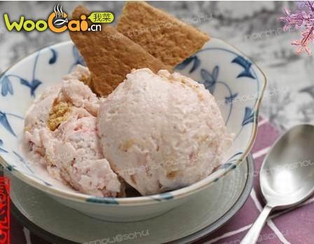 草莓奶酪蛋糕味冰淇淋的做法