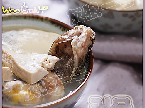黄蜡丁炖豆腐的做法