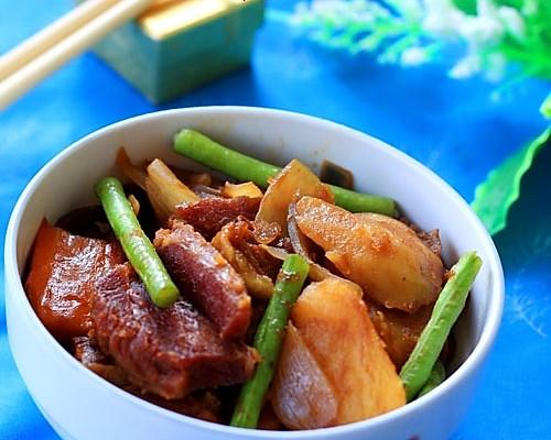 豆角土豆烧牛肉的做法