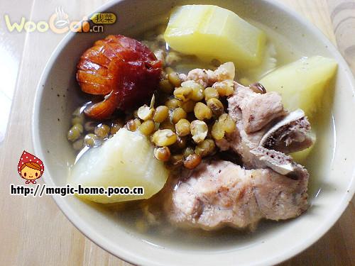 节瓜绿豆猪脊骨汤的做法