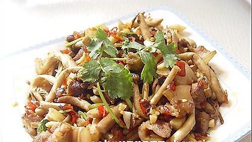 茶树菇炒五花肉的做法