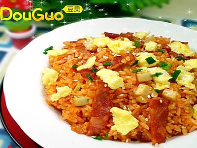培根菌菇韩式泡菜炒饭的做法