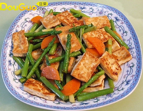 芦笋炒煎豆腐
