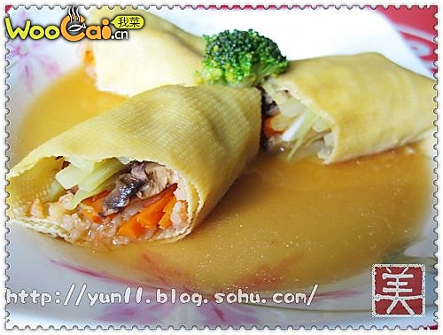 美丽厨娘—鲜虾腐皮卷的做法