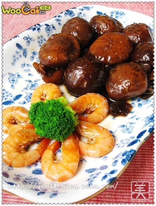 山珍海味一锅端:花菇鲜虾煲的做法