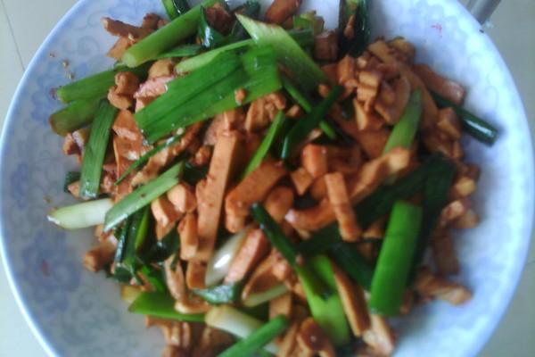 蒜苗豆腐干的做法