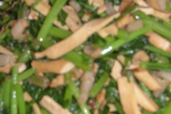 香干肉丝蒿子秆的做法