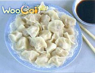 小暑时节教您饱猪肉莲藕水饺的做法