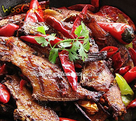 入冬暖身菜——干锅扒皮鱼的做法
