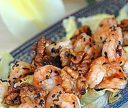 芝麻虾球热沙拉的做法