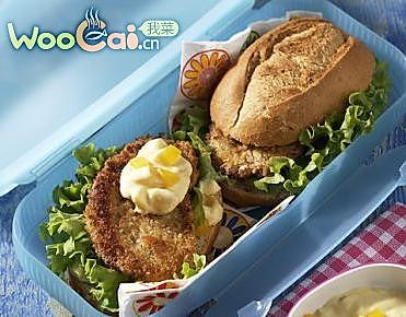 挑战麦当劳 桃子酱猪排汉堡的做法