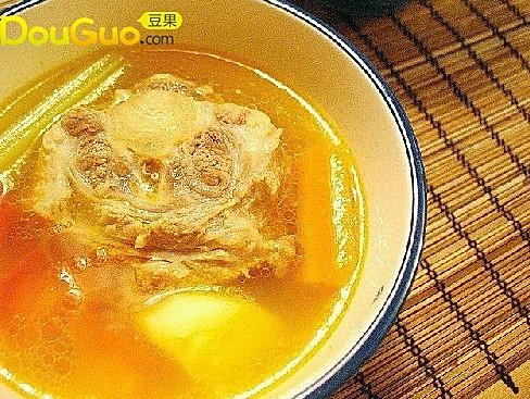 杂蔬牛尾汤的做法