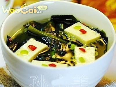 裙带豆腐汤的做法