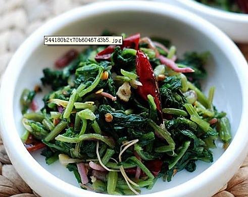 野菜大翻身——尖椒萝卜菜