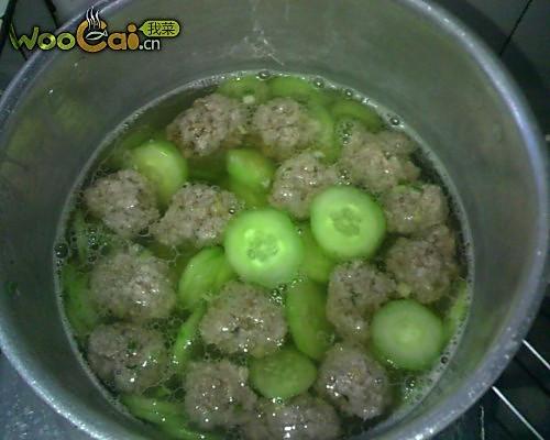 黄瓜肉丸子汤的做法