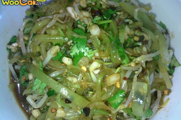 家庭开胃凉拌小菜——银芽春笋的做法
