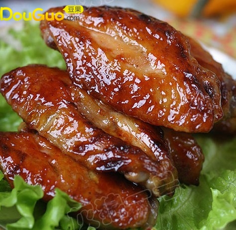 黑胡椒蜜汁鸡翅的做法