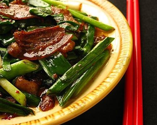 蒜苗回锅肉--美丽厨娘的做法