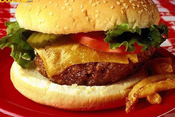 黑胡椒鸡翅汉堡的做法