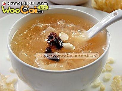 银耳润补汤的做法
