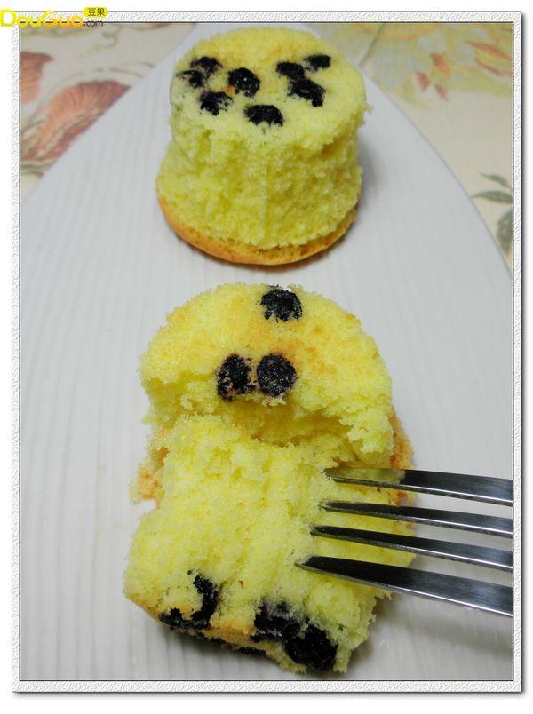 蓝莓海绵小蛋糕的做法