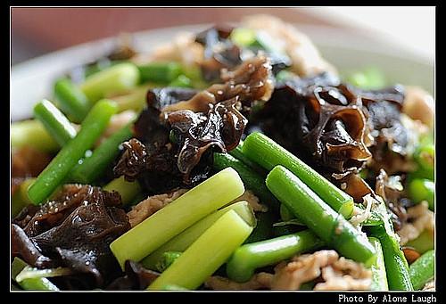 蒜苔过油肉的做法