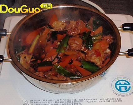 羊肉干锅的做法