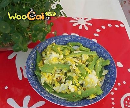 美丽厨娘—简单的鸡蛋炒苦瓜的做法