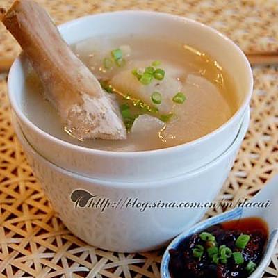 萝卜猪骨汤的做法