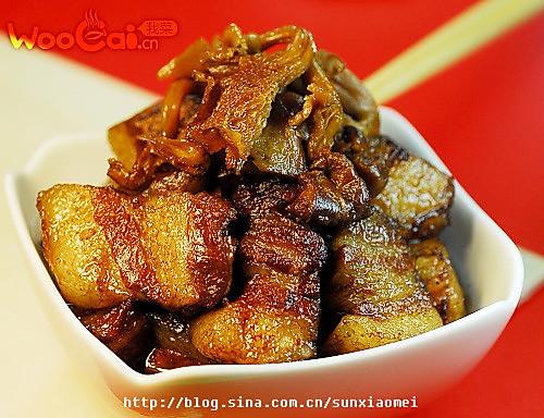 红烧肉炖黄蘑的做法