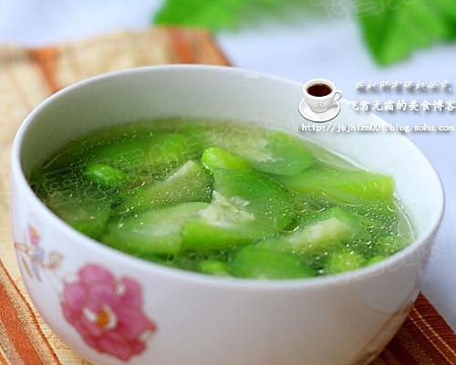 毛豆丝瓜汤:一款清凉的汤的做法