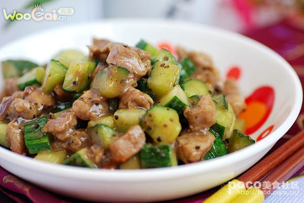 黑椒黄瓜肉丁的做法