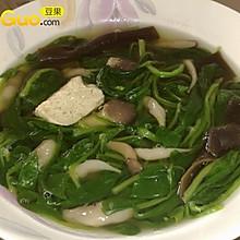 鲜菌海味菠菜汤