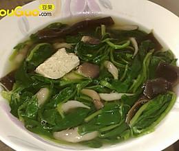 鲜菌海味菠菜汤的做法