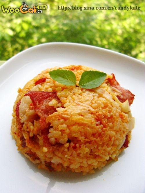 韩式泡菜培根炒饭的做法