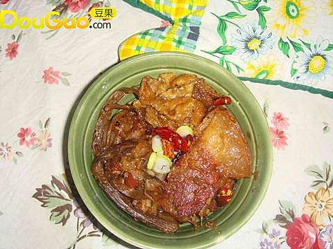 腊肉茄子煲的做法